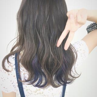 インナーカラー セミロング 外国人風 ガーリー ヘアスタイルや髪型の写真・画像