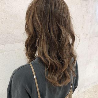 ナチュラル 巻き髪 モテ髮シルエット ロング ヘアスタイルや髪型の写真・画像