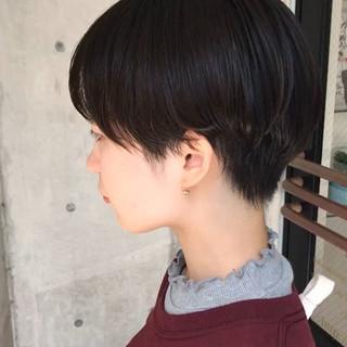 ショートマッシュ ハンサムショート ナチュラル 簡単スタイリング ヘアスタイルや髪型の写真・画像 ヘアスタイルや髪型の写真・画像