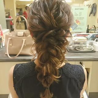 編み込み 結婚式 ヘアアレンジ セミロング ヘアスタイルや髪型の写真・画像