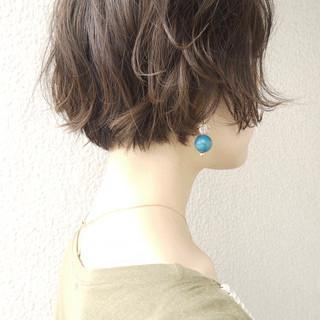 ショートヘア ゆるふわパーマ ショートボブ エレガント ヘアスタイルや髪型の写真・画像