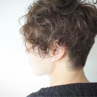 ボーイッシュ パーマ ショート 坊主 ヘアスタイルや髪型の写真・画像