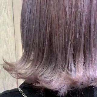 アンニュイほつれヘア ピンクアッシュ ラベンダーピンク ミニボブ ヘアスタイルや髪型の写真・画像