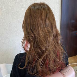 イルミナカラー ロング インナーカラー ガーリー ヘアスタイルや髪型の写真・画像