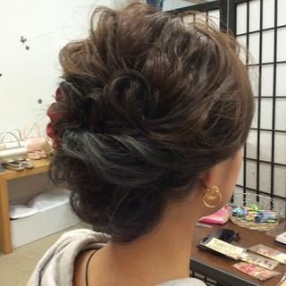 結婚式 ミディアム ヘアアレンジ 上品 ヘアスタイルや髪型の写真・画像