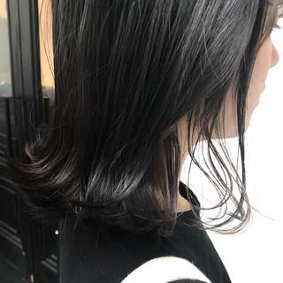 ミディアム インナーカラー インナーカラーグレー グレー ヘアスタイルや髪型の写真・画像