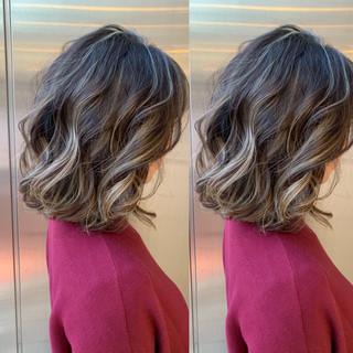 外国人風 ヘアカラー 透明感カラー バレイヤージュ ヘアスタイルや髪型の写真・画像