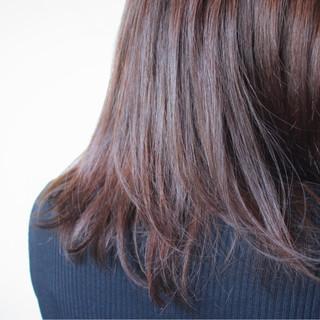 ナチュラル セミロング ラベンダーアッシュ ブラウン ヘアスタイルや髪型の写真・画像