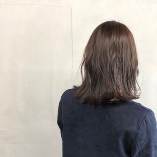 ナチュラル ミディアム ブルージュ ウェットヘア ヘアスタイルや髪型の写真・画像