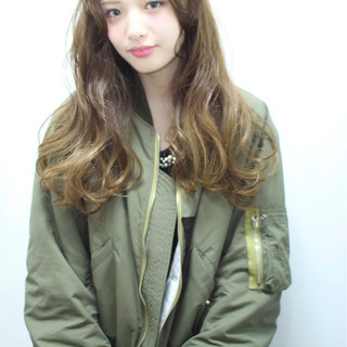 ガーリー 渋谷系 ロング アッシュ ヘアスタイルや髪型の写真・画像