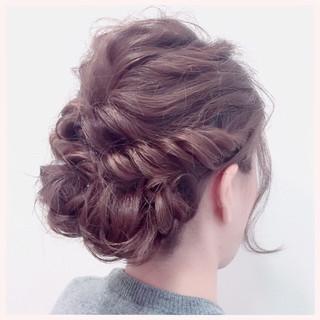 ミディアム ヘアアレンジ ねじり 編み込み ヘアスタイルや髪型の写真・画像