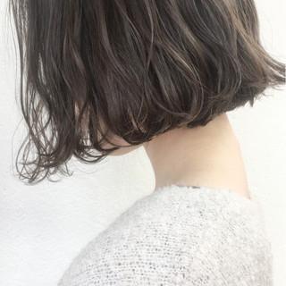 アッシュ ナチュラル ボブ パーマ ヘアスタイルや髪型の写真・画像