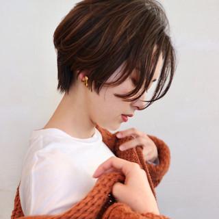 グラデーションカラー ショートヘア ハンサムショート アッシュ ヘアスタイルや髪型の写真・画像