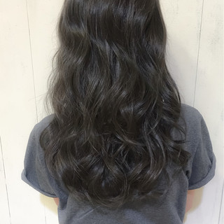 波ウェーブ 黒髪 ストリート 透明感 ヘアスタイルや髪型の写真・画像