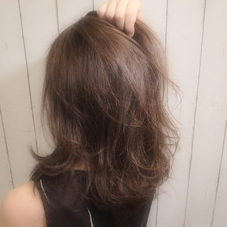 ナチュラル レイヤーカット アッシュ セミロング ヘアスタイルや髪型の写真・画像 ヘアスタイルや髪型の写真・画像
