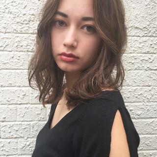 ナチュラル セミロング センターパート 女子力 ヘアスタイルや髪型の写真・画像