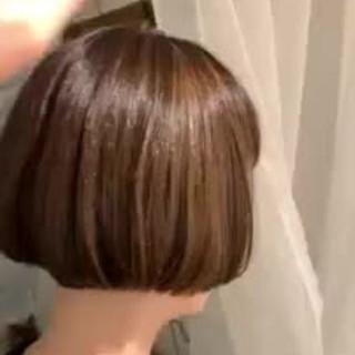 エレガント ショートヘア ハイライト ゆるふわ ヘアスタイルや髪型の写真・画像