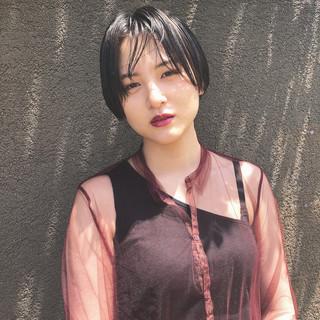 ハンサムショート ウェット感 黒髪 ショート ヘアスタイルや髪型の写真・画像