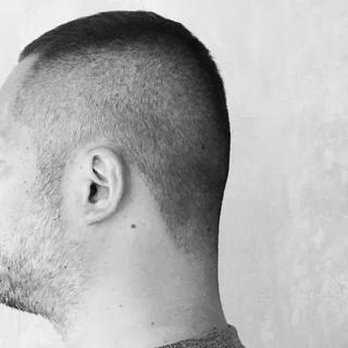 刈り上げ 黒髪 ボーイッシュ 暗髪 ヘアスタイルや髪型の写真・画像