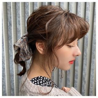 お出かけヘア 簡単ヘアアレンジ ミディアム フェミニン ヘアスタイルや髪型の写真・画像