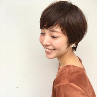 リラックス フェミニン 秋 透明感 ヘアスタイルや髪型の写真・画像