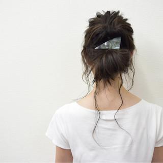 ロング ゆるふわ 黒髪 ハーフアップ ヘアスタイルや髪型の写真・画像