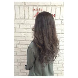 グラデーションカラー アッシュグレージュ 外国人風 オリーブアッシュ ヘアスタイルや髪型の写真・画像 ヘアスタイルや髪型の写真・画像