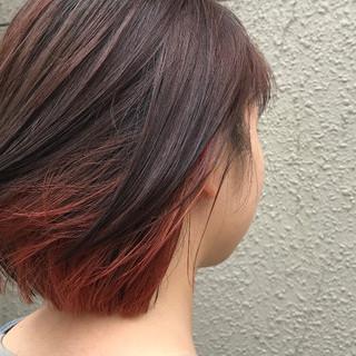 ボブ デート インナーカラーレッド ガーリー ヘアスタイルや髪型の写真・画像 ヘアスタイルや髪型の写真・画像