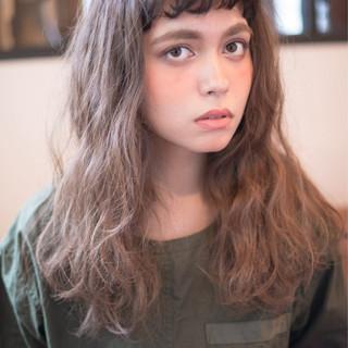 パーマ セミロング 抜け感 外国人風 ヘアスタイルや髪型の写真・画像 ヘアスタイルや髪型の写真・画像