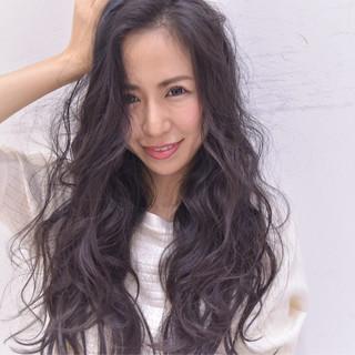 パーマ 黒髪 コンサバ ロング ヘアスタイルや髪型の写真・画像