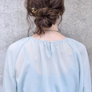 お団子ヘア ヘアアレンジ 簡単ヘアアレンジ ミディアム ヘアスタイルや髪型の写真・画像
