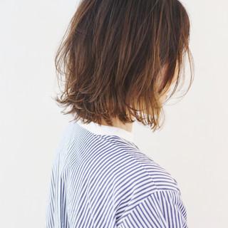 グラデーションカラー ナチュラル 切りっぱなしボブ レイヤーカット ヘアスタイルや髪型の写真・画像