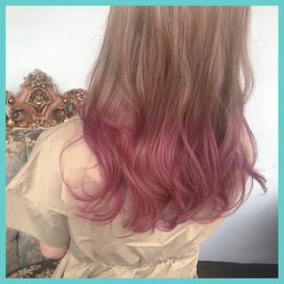 ロング ハイライト ピンク ナチュラル ヘアスタイルや髪型の写真・画像