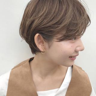耳かけ 秋 愛され ショート ヘアスタイルや髪型の写真・画像