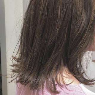 切りっぱなし ハイライト ナチュラル ボブ ヘアスタイルや髪型の写真・画像