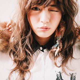 セミロング ミディアム 大人かわいい ストリート ヘアスタイルや髪型の写真・画像 ヘアスタイルや髪型の写真・画像