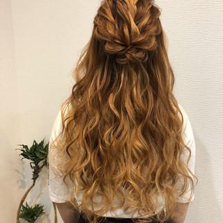 ねじり 結婚式 ロング ヘアセット ヘアスタイルや髪型の写真・画像
