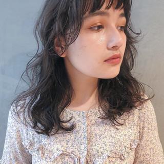 伸ばしかけ ミディアム 大人女子 ガーリー ヘアスタイルや髪型の写真・画像