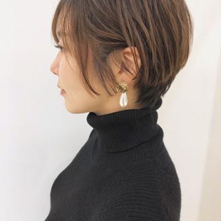 透明感 ショート ナチュラル パーマ ヘアスタイルや髪型の写真・画像