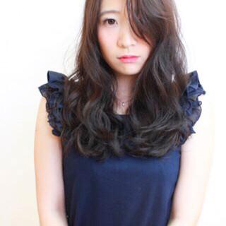 ゆるふわ 暗髪 ロング フェミニン ヘアスタイルや髪型の写真・画像
