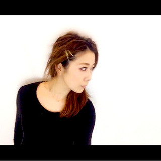 大人女子 ゆるふわ ヘアアレンジ 波ウェーブ ヘアスタイルや髪型の写真・画像
