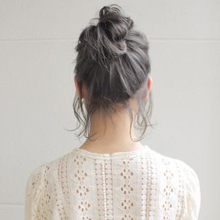 グレーアッシュ 透明感 ミディアム グレージュ ヘアスタイルや髪型の写真・画像