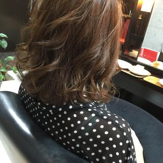 外国人風 パーマ ゆるふわ グラデーションカラー ヘアスタイルや髪型の写真・画像 ヘアスタイルや髪型の写真・画像