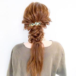 フェミニン 三つ編み 謝恩会 ヘアアレンジ ヘアスタイルや髪型の写真・画像 ヘアスタイルや髪型の写真・画像