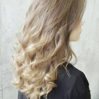 ロング 外国人風 アッシュ ブラウンベージュ ヘアスタイルや髪型の写真・画像