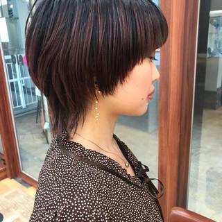 ウルフカット コンサバ ショートヘア 横顔美人 ヘアスタイルや髪型の写真・画像