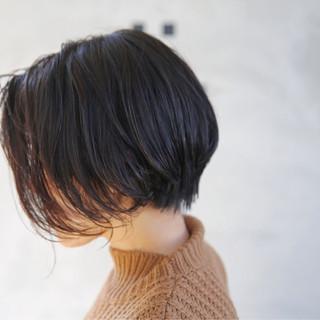 小顔 大人女子 ナチュラル ショート ヘアスタイルや髪型の写真・画像