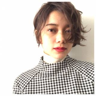 ウェーブ モード ナチュラル ショート ヘアスタイルや髪型の写真・画像
