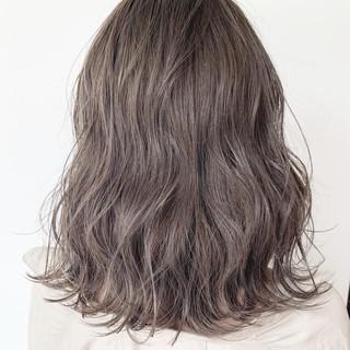 簡単ヘアアレンジ ナチュラル ミルクティーグレージュ 外国人風カラー ヘアスタイルや髪型の写真・画像 ヘアスタイルや髪型の写真・画像