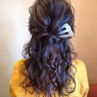 ロング 簡単ヘアアレンジ ハーフアップ フェミニン ヘアスタイルや髪型の写真・画像